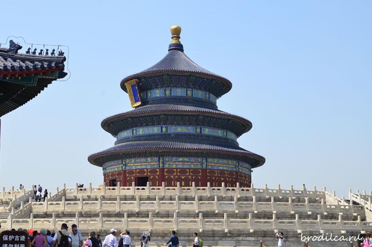 Невероятно красивый Храм
