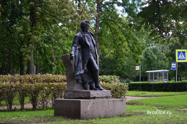 Пушкин встречает