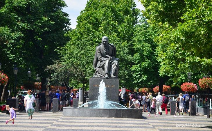 Памятник Гвездославу