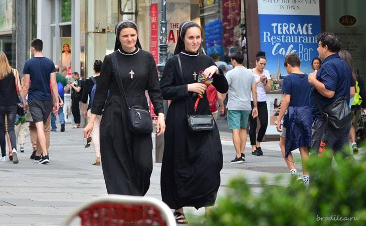 Венские монашки